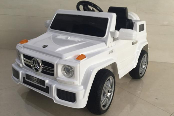 Детский электромобиль Rivertoys Mers О 004 ОО VIP белый резина сиденье кожа
