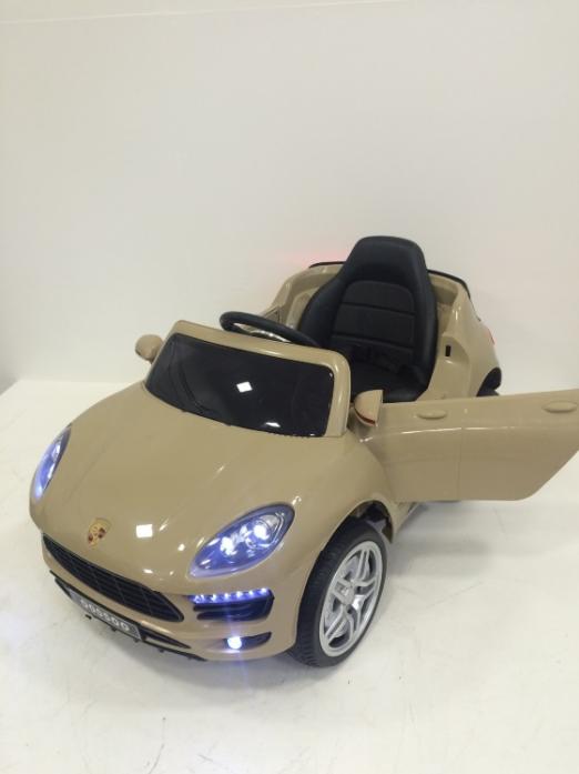 Детский электромобиль Rivertoys Porsche Macan О 005 ОО VIP бежевый сиденье кожа