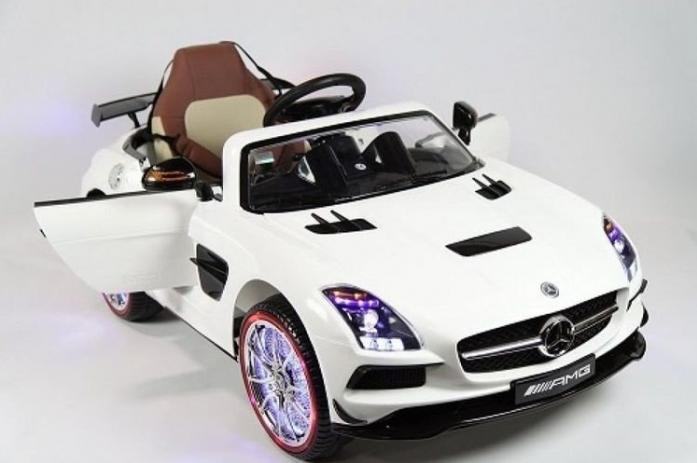 Детский электромобиль Rivertoys Mercedes-Benz SLS A333AA-WHITE-VIP белый