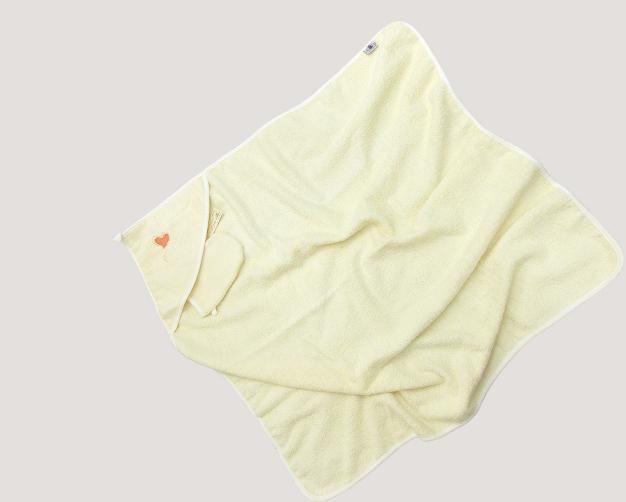 Пеленка-полотенце с варежкой Bombus Слонята 9045 бежевая