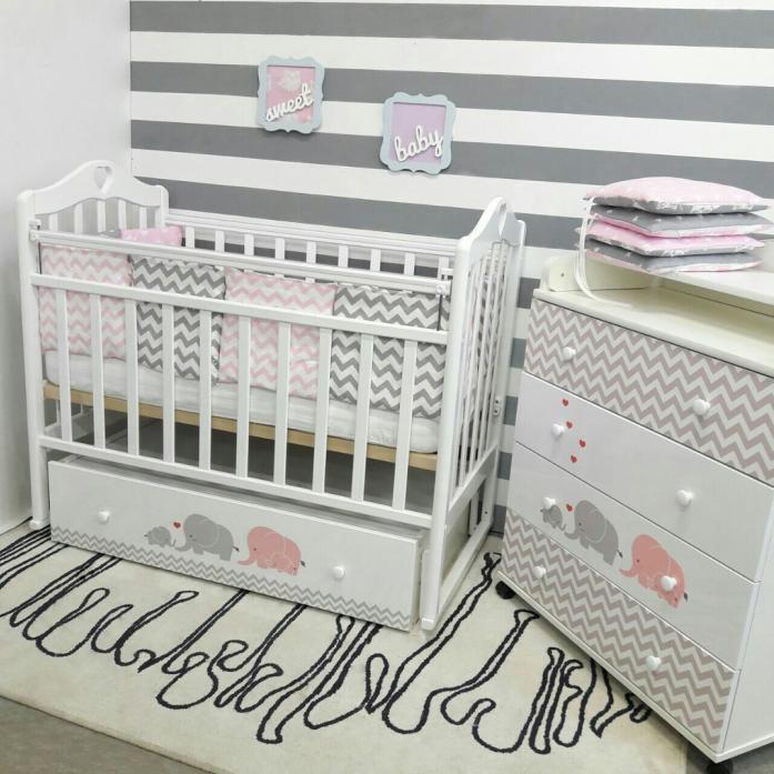 Кровать ByTwinz Мэри поперечный маятник серый/розовый