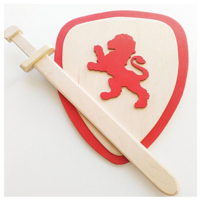 Игрушка деревянная Master Wood Щит и меч SHM1