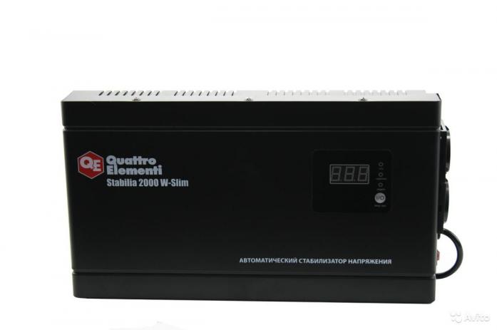 Настенный стабилизатор напряжения QUATTRO ELEMENTI Stabilia 2000 W-Slim 772-586