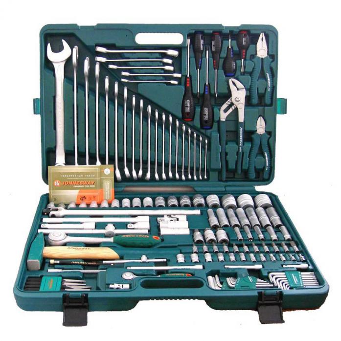 """Универсальный набор торцевых головок 1/4""""DR 4-13 мм и 1/2""""DR 8-32 мм, комбинированных ключей 6-32 мм и отверток Jonnesway S04H524128S"""