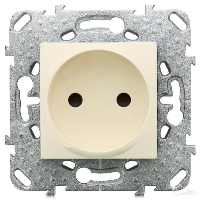 Розетка Schneider Electric MGU5.033.25ZD